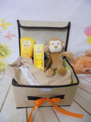 Baby gift box organic